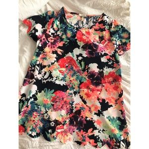 Tops - Floral Scalloped Top